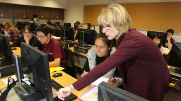 Accounting students offer free tax preparation services