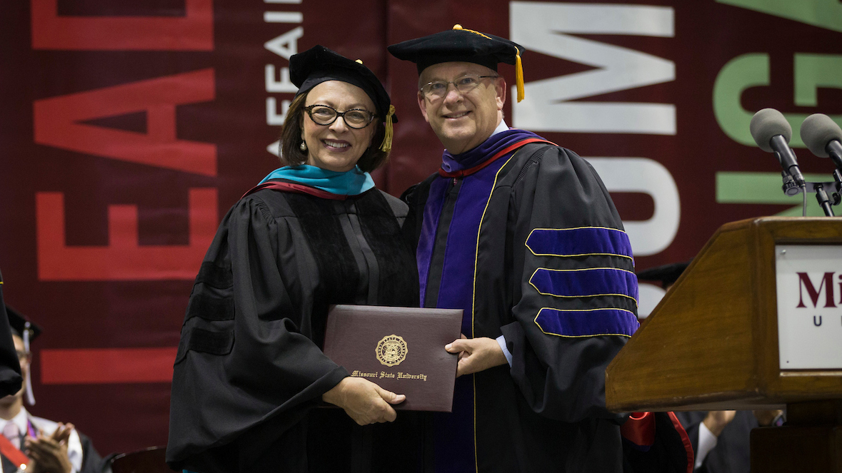 Sara Lampe receives an honorary doctorate