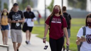 Students walk to class on Aug. 17, 2020.